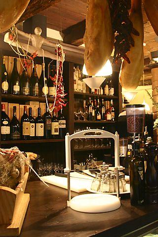 Prosciutto and vino