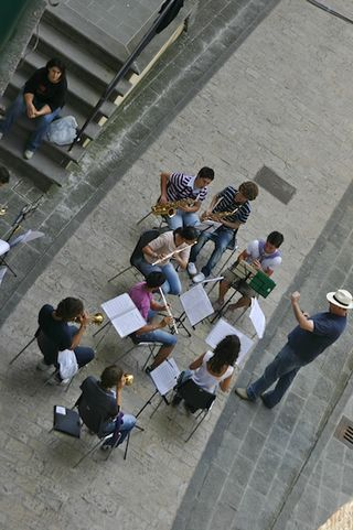 Rehearsal in the street