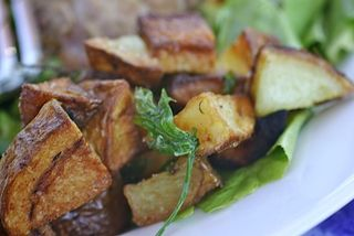Crispy potatoes and parsley