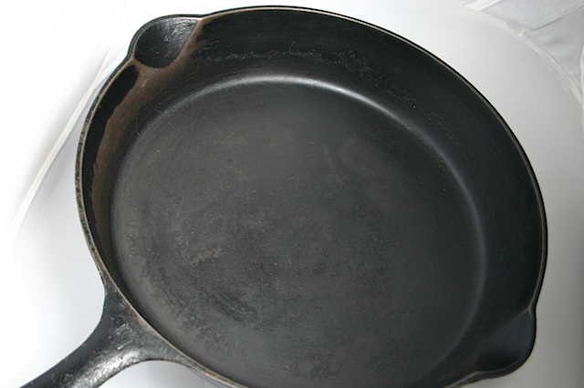 Old Cast Iron Frying Pan (1)