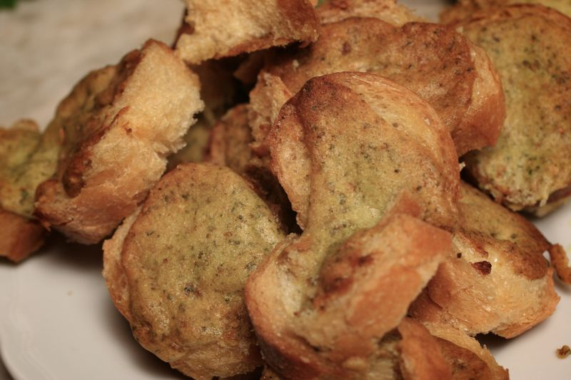 Crunchy Garlicky Toasts