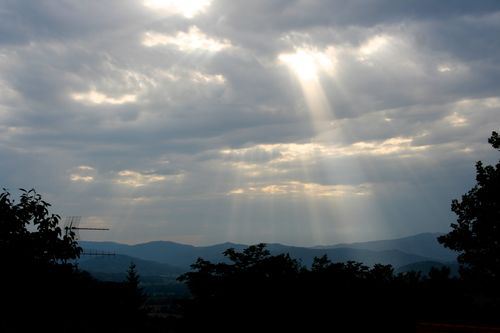 Montone sky
