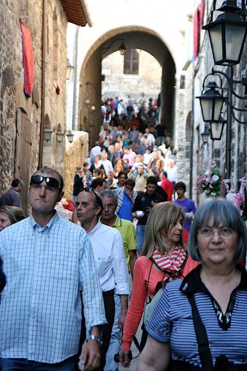Gubbio crowds