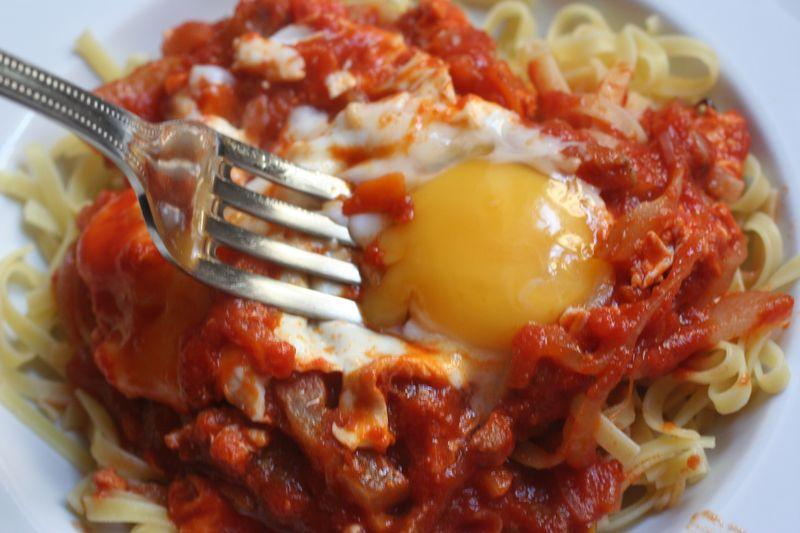 Amatriciana con uova