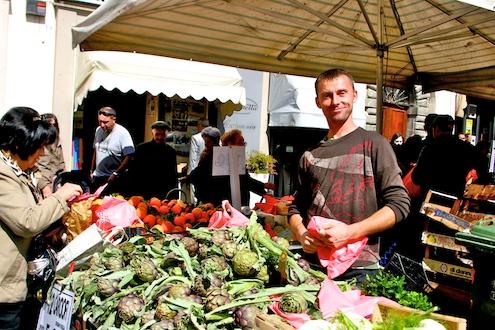Carciofi at the market