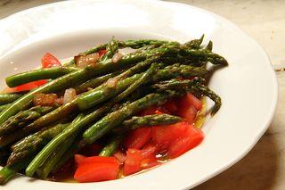 Asparagus tomato salad