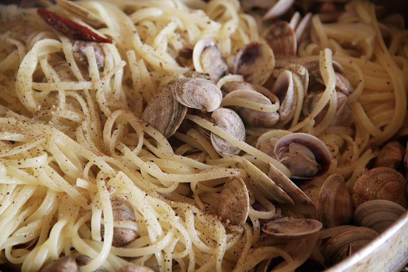 Black Pepper Vongole
