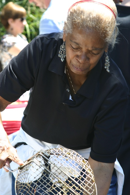 Aunt_frieda_makes_crawfish